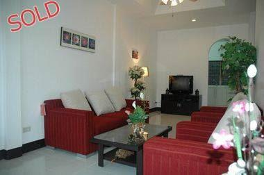 Townhouse - Talo - Pattaya East - Soi Khaonoi