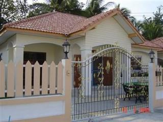 Suktsaloern - House - Pattaya East -