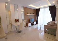 Jomtien Beach; new 1-bedroom unit - คอนโด -  - Jomtien